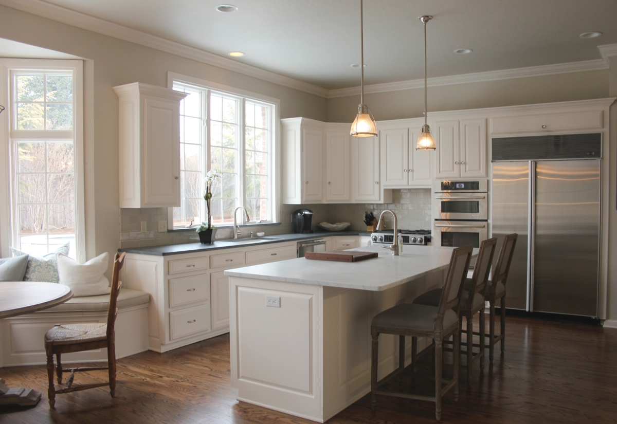 Benjamin moore revere pewter and benjamin moore white dove for Benjamin moore kitchen cabinets